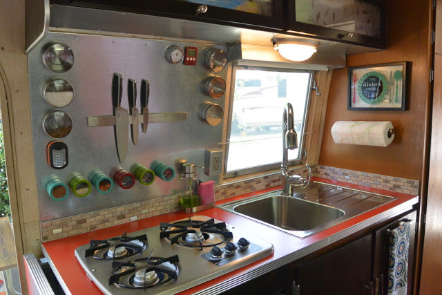 5 Must-Have RV Kitchen Accessories to save storage space