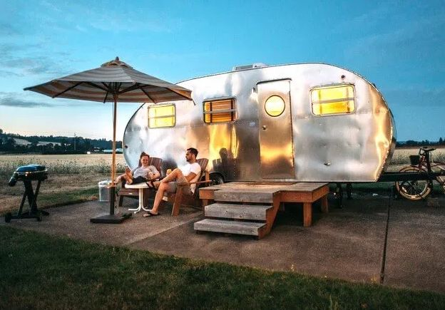 33 Ways To Earn Money While Living In An RV
